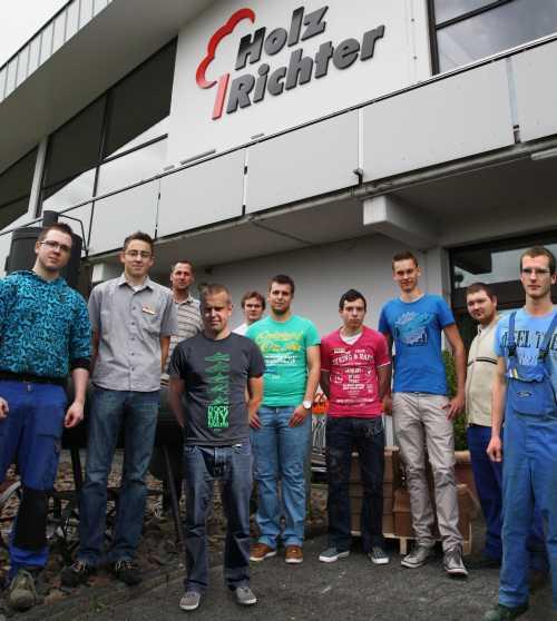 Photo of Gleich zehn Auszubildende sind bei Holz-Richter ins Berufsleben gestartet