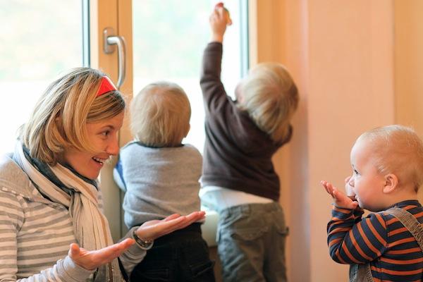 Die Hochschule setzt dabei auf ein ganzheitliches Studienangebot, das beispielsweise auch die Waldorfpädagogik einschließt. Foto: djd/Alanus/Charlotte Fischer