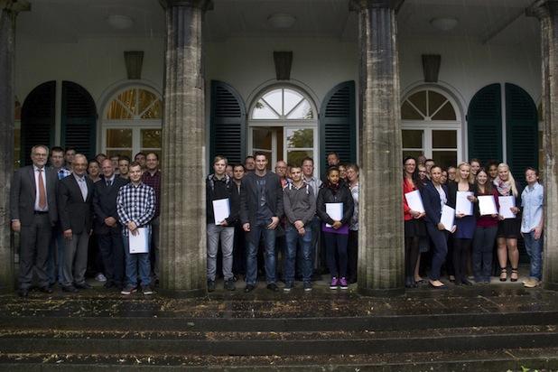 Photo of RWTH gratuliert Auszubildenden zur Abschlussprüfung