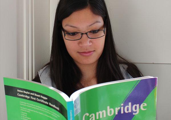 Photo of Letzte Chance für Englischprofis auf ein begehrtes Cambridge English Stipendium 2015