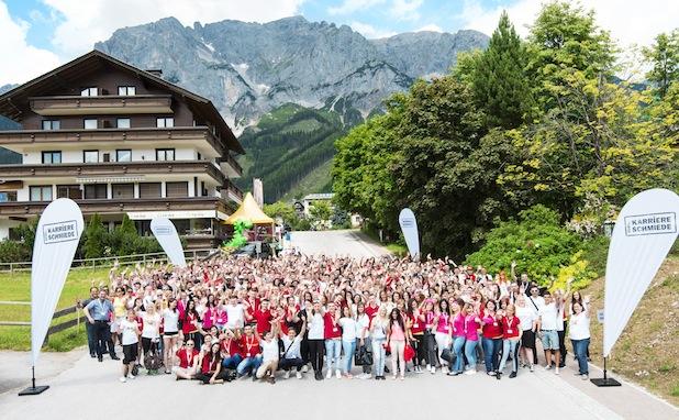Photo of REWE Group fördert den eignen Nachwuchs mit Persönlichkeitsseminar
