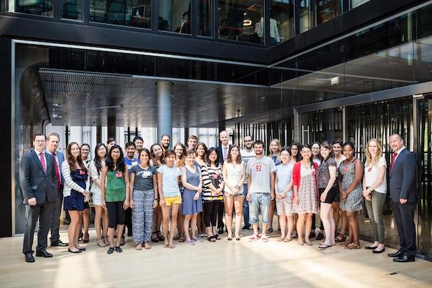 Photo of Cologne Summer School-Studenten besuchen Santander Unternehmenszentrale