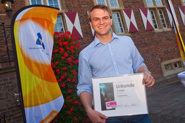 Photo of SRH-Student gewinnt Geschäftsideen-Wettbewerb 2014