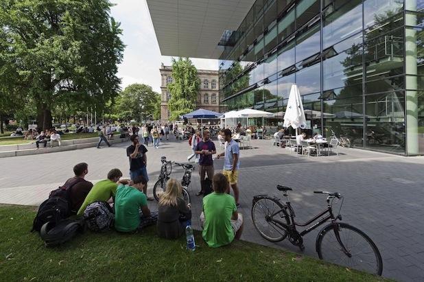 Photo of Immer mehr Niederländer studieren in Aachen