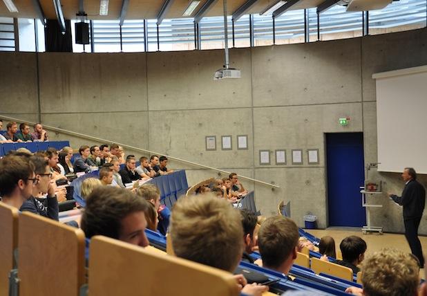 Photo of 138 künftige Studierende nutzen Vorbereitungskurs Mathematik