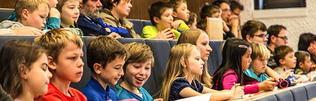 Photo of Kinder-Lese-Uni lockt 337 Schüler an die WHZ