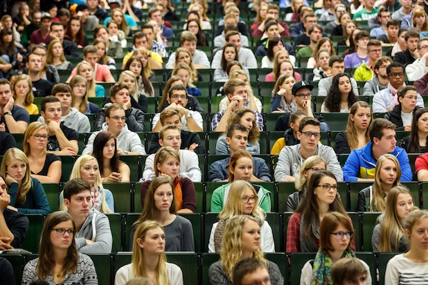 Photo of OTH Regensburg startet mit knapp 2.200 neuen Bachelorstudierenden