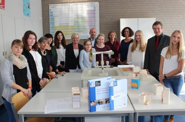 Photo of doMINT – Dortmunder MINT-Pass für Schülerinnen