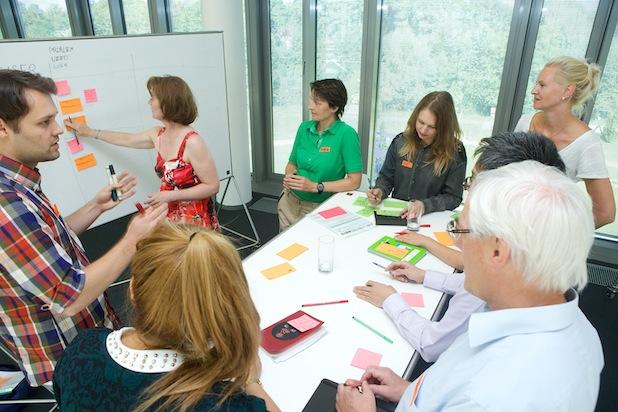 Photo of Hasso-Plattner-Institut trainiert Innovatoren im Managen von Komplexität mit Design Thinking