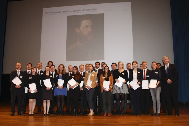 RWTH-Rektor Ernst Schmachtenberg zeichnete Studierende, Doktoranden und Habilitanden mit dem Friedrich-Wilhelm-Preis 2014 für herausragende Leistungen aus. Foto: Martin Lux