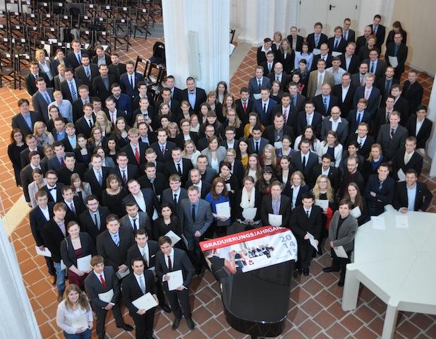 Photo of FH Lübeck verabschiedete über 380 Absolventinnen und Absolventen