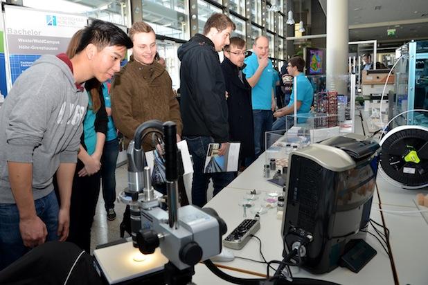 Photo of Hunderte Studieninteressierte informierten sich am Hochschulinformationstag der Hochschule Koblenz