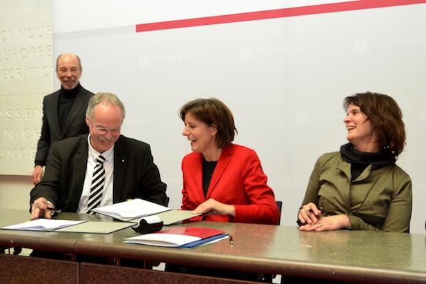 Photo of Hochschule Koblenz unterschreibt Zielvereinbarung in Mainz und erhält umfangreiche Förderung