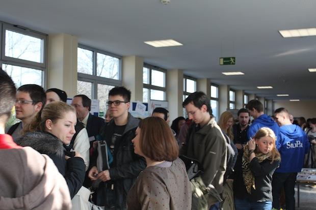 Photo of Hochschule Ludwigshafen am Rhein heißt rund 450 neue Studierende Willkommen