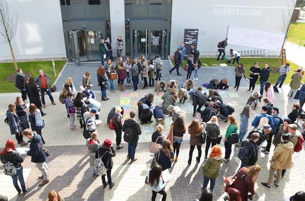 Photo of Fakultät Gestaltung begrüßt rund 130 Erstsemerster mit neuem Konzept