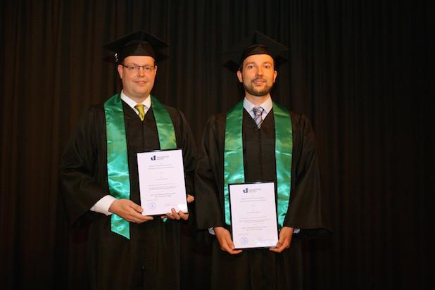 Foto: Universität Siegen/Dr. Michael Fritz und Dr. Christian Reuter (r.) erhielten für ihre Dissertationen den Rolf H. Brunswig Promotionspreis.