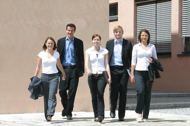 Photo of Karrierechancen für Wirtschaftsinformatiker