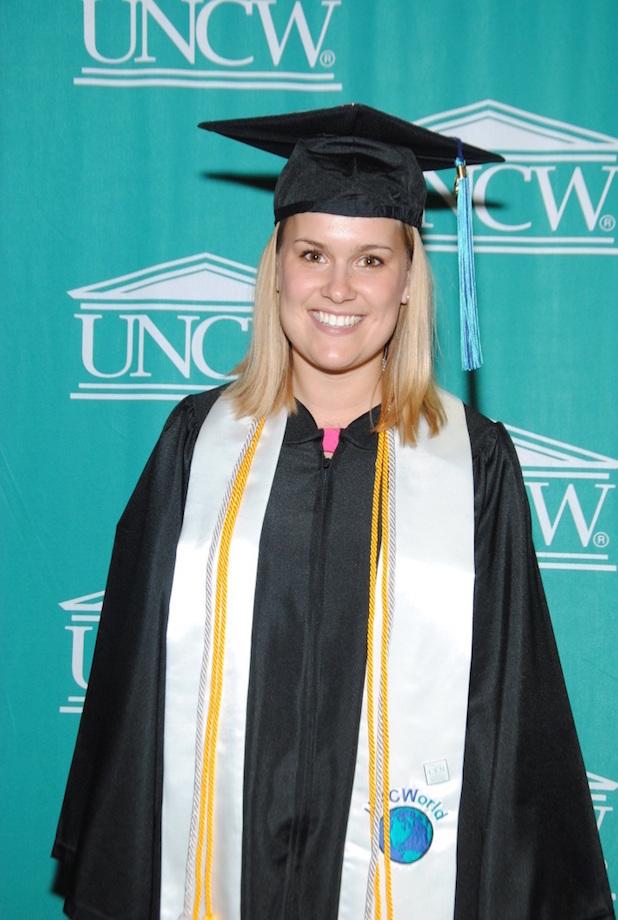 """Photo of Carolin von Tippelskirch beste des gesamten Jahrgangs im Schwerpunkt """"International Business"""" an der University of North Carolina Wilmington"""