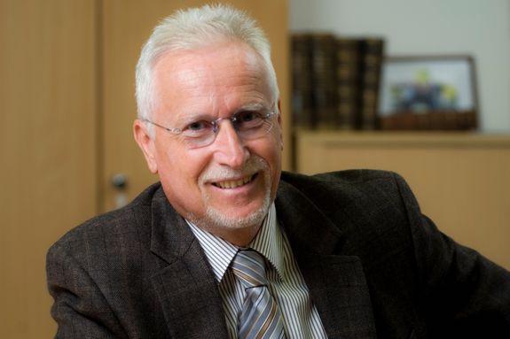 Photo of Prof. Dr. Gerhard Gruhler als Vizepräsident wiedergewählt Angewandte Forschung an der Hochschule auf Erfolgskurs