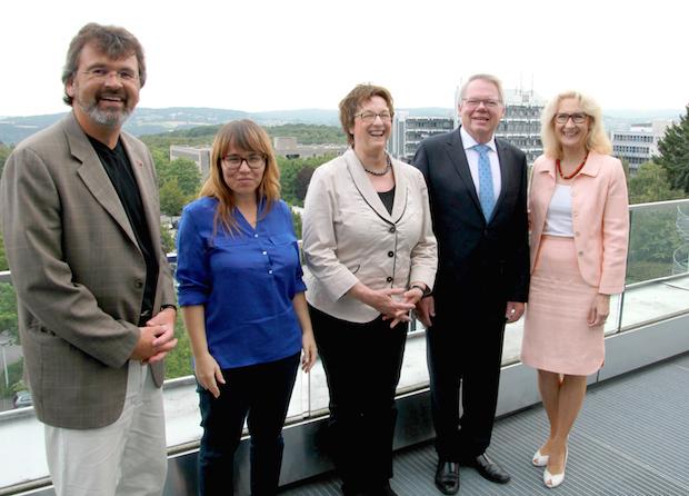 Photo of Wirtschaftsstaatssekretärin Brigitte Zypries besuchte FernUniversität
