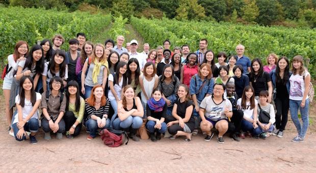 Photo of Die Welt zu Gast im Uni-Weinberg