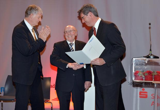 Photo of Aachener Ingenieurpreis an Franz Pischinger verliehen