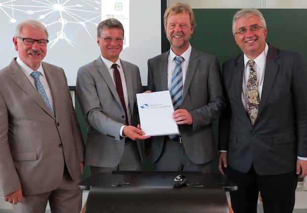 Photo of Knapp zwei Millionen Förderung für den Forschungsverbund FORMUS³IC