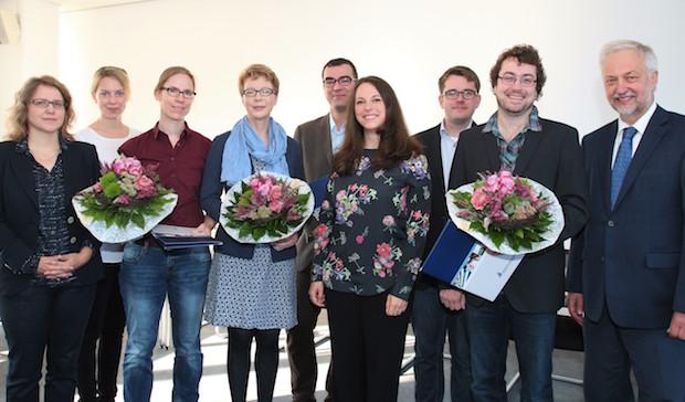 Photo of Universität Paderborn verleiht Forschungspreis 2015 – Zwei fachübergreifende Projekte erhalten rund 100.000 Euro