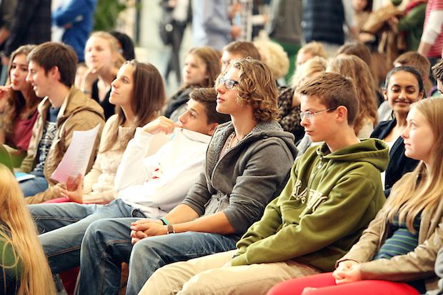 Photo of Rund 220 Unternehmen und Hochschulen suchen passende Auszubildende und Studenten