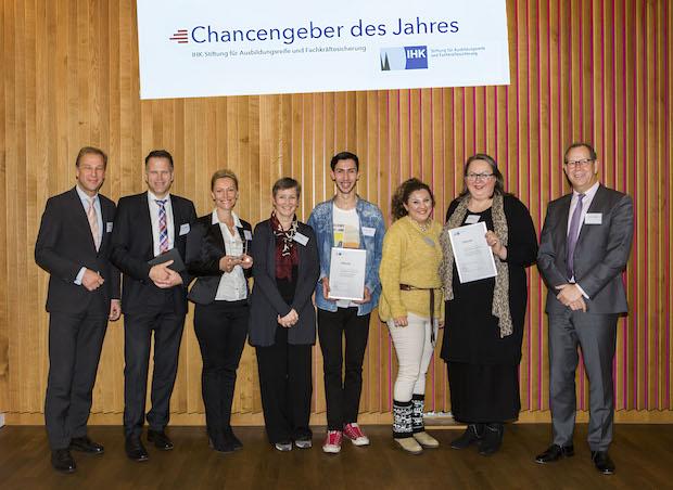 """Photo of IHK-Stiftung für Ausbildungsreife und Fachkräftesicherung ehrt die INEOS Köln GmbH zum """"Chancengeber des Jahres 2015"""""""