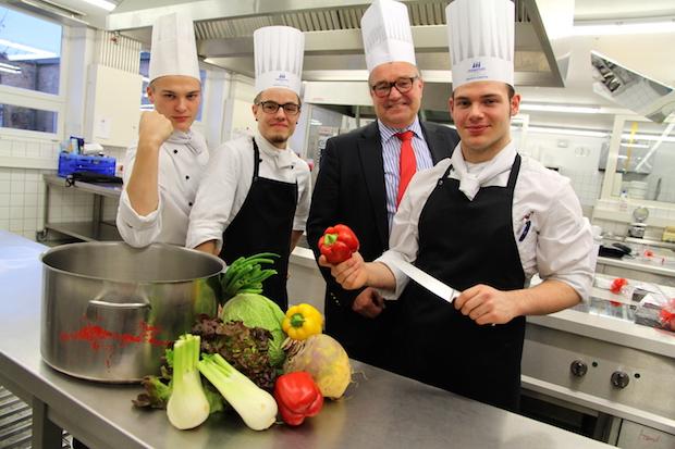 Photo of Lennart Kleefeld ist der beste Nachwuchskoch in der Region