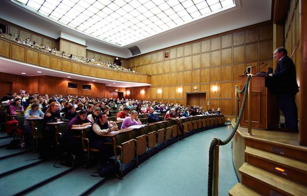 Photo of Die Uni Bonn lädt zum Tag der offenen Tür ein