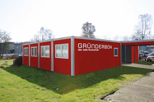 Die Gründerbox an der Jade Hochschule am Studienort Wilhelmshaven wurde gegründet, um interessierten und engagierten Hochschulangehörigen den Einstieg in eine eigene Existenz zu ermöglichen. Foto: Jade HS