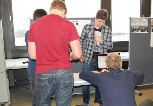 Photo of Jump and Run-Spiele oder Barcode-Scanner: App-Seminar für Schüler an der OTH Regensburg
