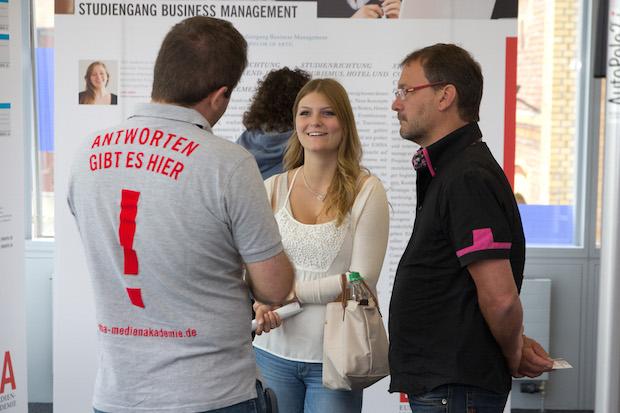 Photo of Studieren bei den Medienmachern: Schnuppersamstage an der EMBA