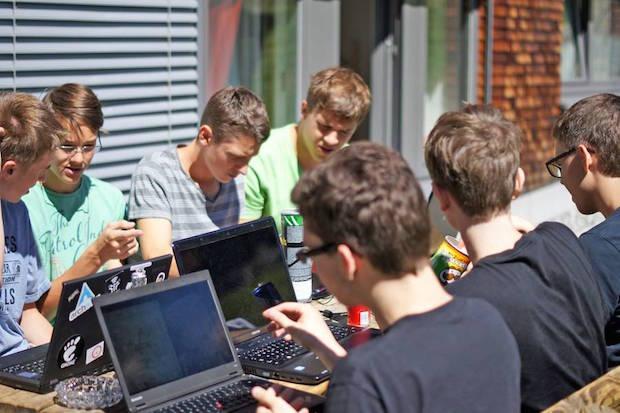Photo of In Ferienlagern können Kinder und Jugendliche ihre IT-Begeisterung ausleben