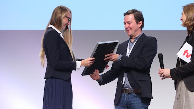 """Photo of Tourismus-Nachwuchstalent: Absolventin der Hochschule Fresenius mit dem """"Top unter 30""""-Award ausgezeichnet"""