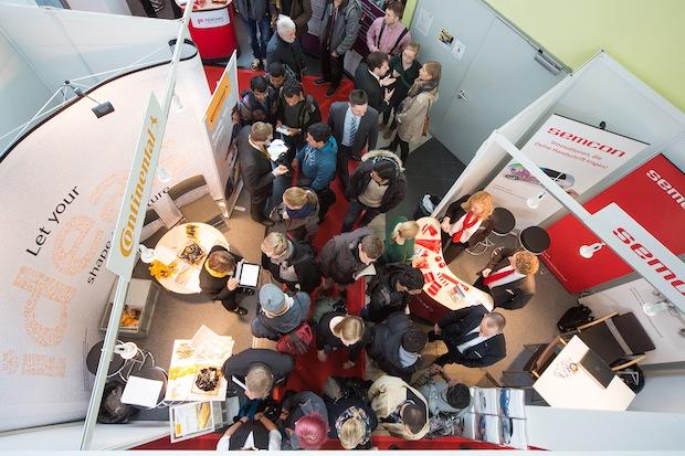 Photo of Über 100 Unternehmen stellen sich auf dem Magdeburger Uni-Campus Studierenden und Absolventen vor