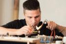 Ausbildung für kreative Generalisten: Von der Hochschule zum Goldschmied