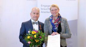 Verdienstkreuze für Professoren der FH Lübeck