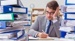 Beruf / Karriere: So behält man in der wachsenden Informationsflut den Überblick
