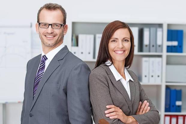 Beruf/Karriere: In einem reinen Online-Studium zum Wirtschaftsjuristen